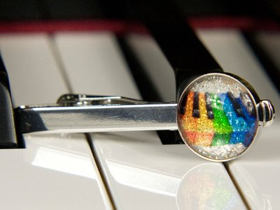 Colourful piano keyboard tie clip