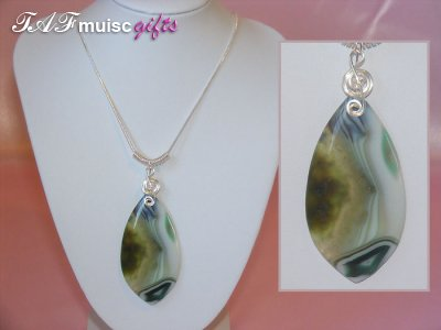 Green leaf Agate handmade music themed necklace