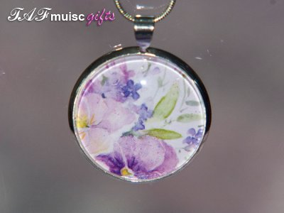 Handmade purple flower picture Glass dome necklace