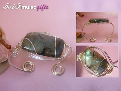 Music themed rectangular Labradorite bangle