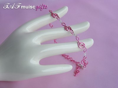 Musician jewellery pink treble clef bracelet
