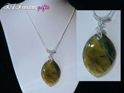 Unique 925 African green Opal music themed necklace